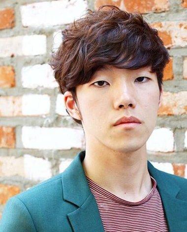 男生短发应该剪什么样的发型帅气 韩式男生短发发型图片