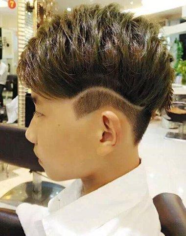 男士短发有什么好看的 男生短发两边刮痕(4)图片
