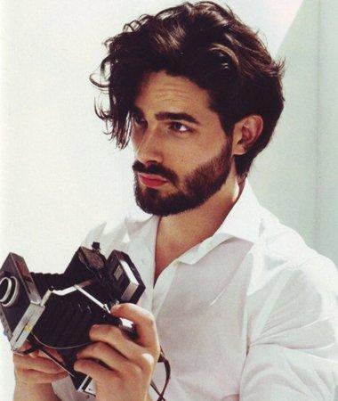 生有胡子中长发大卷烫发发型-男生留胡子适合什么发型 男生有胡子图片