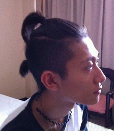 男生发型 男生长发 >> 男生后面小辫子发型 男生可以扎辫子的发型(4)图片