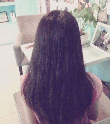 超长发直发简单好看扎发图解 长发直发怎么扎好看步骤图片