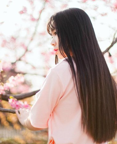 2016黑色中分直发发型 黑色长直发稀薄刘海发型(2)图片