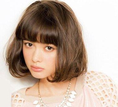 发型设计 假发 >> 胖女孩脸大适合什么样短发