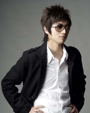 男生眼镜发型设计与脸型搭配