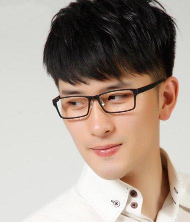 男生什么发型配眼镜_大框眼镜男生短发 清新短发男名称_发型师姐