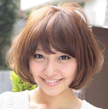 脸胖的女生适合什么短发发型 脸型胖适合怎样弄头发(3