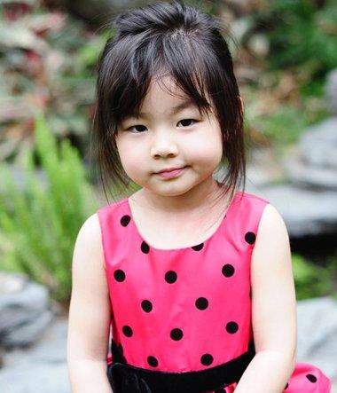 斜刘海直发发型扎法_胖女孩短头发适合扎什么发型 胖妹妹的短发扎发发型_发型师姐