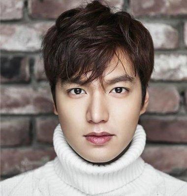 韩版短发发型男_大脸男生适合什么短发 方脸男生韩版短发发型_发型师姐
