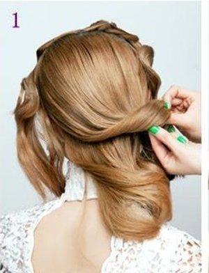 在众多的盘发中低盘发更受中年女性的青睐,饱满蓬松亦或是一丝不苟都图片