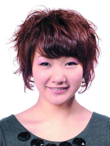 发型设计 中年发型 >> 韩式中老年女士短发发型 老年短碎烫发发型  层图片