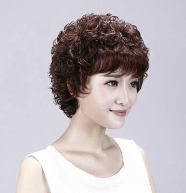 中年妇女小卷烫_韩式中老年女士短发发型 老年短碎烫发发型(4)_发型师姐