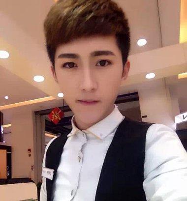 网络红人男生发型瓜子脸男生时尚发型(3)