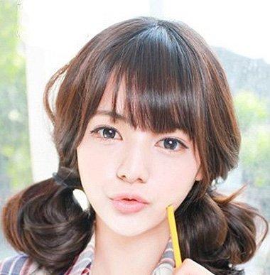 >> 初中生短发不卷怎么扎好看 初中生短发女发型头发稍卷  学生的扎发图片