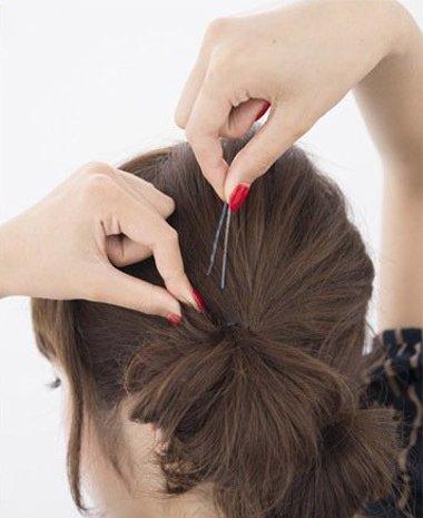 中学生中短发简单扎发技巧 简单的中短发学生扎法(2)图片