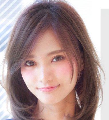 发型脸型 大脸 >> 女生阳光向上齐肩短发发型 大脸齐肩短发发型(2)图片