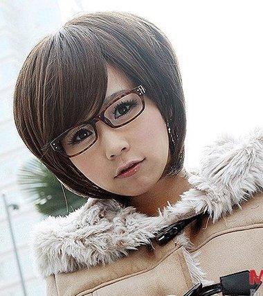 戴眼镜女性短发发型 短发发型图片2016女戴眼镜(2)