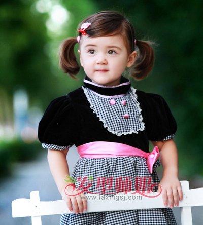 两岁女孩夏天短发扎法图解 短发女童夏季盘发发型 发型师姐