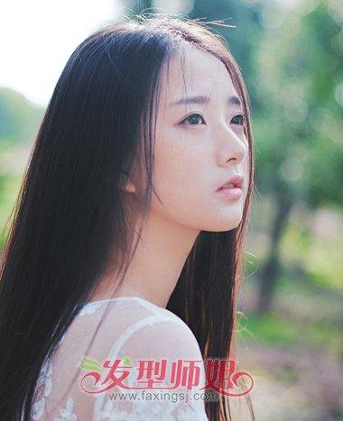 圆脸黑色直发发型 中分黑色长直发发型(2)图片