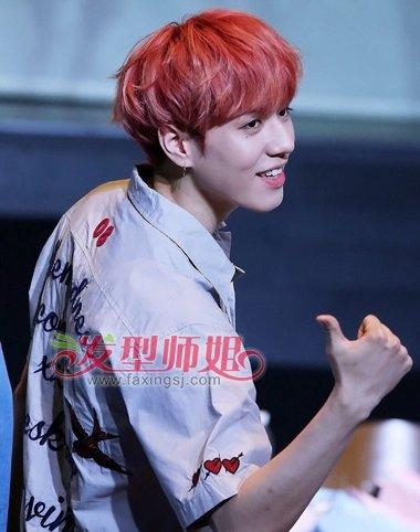 生橘红色斜刘海蘑菇头短发发型-2016最流行男生头发的颜色 男的啥