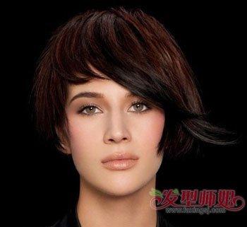 中年女短发剪那种好看 中年女式短发剪发图片