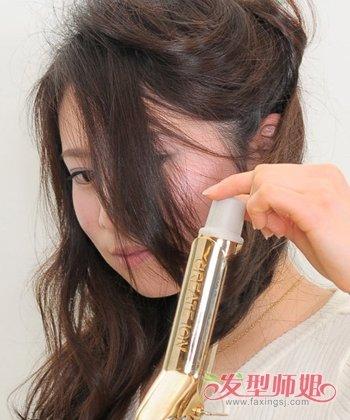 发型设计 卷发 >> 如何自己用卷发棒做卷发 卷发棒怎么用才不会把头发图片