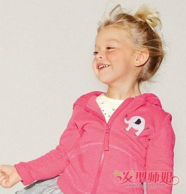 小女孩最适合俏皮可爱型的扎发发型了