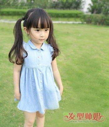 怎样给小女孩梳漂亮的发型 小女孩梳发发型技巧