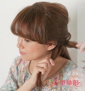 自己扎卷发简单好看的步骤 自来卷发如何扎头发(4)