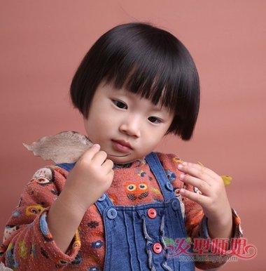 儿童发型 >> 2岁女童流行短发发型 幼儿短发发型图片  2岁大的小女孩图片