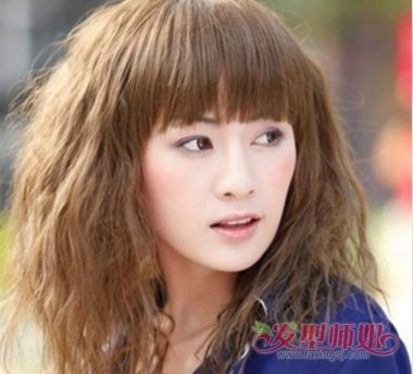 发型做掩饰,这款齐刘海造型的中短发不仅掩饰了脖子短对长方脸也有图片