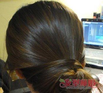 发量少的长发盘头发的方法图解 头发少最简单中长发盘发发型(2)