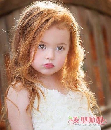 怎样给小孩子梳长头发 长头发的各种梳法(2)图片
