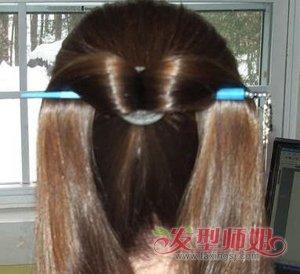 长头发如何盘头发最简单漂亮 长头发簪子盘发步骤(2)图片