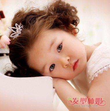 1岁宝宝头发短如何扎辫子 比较短的头发怎样扎好看的辫子图片