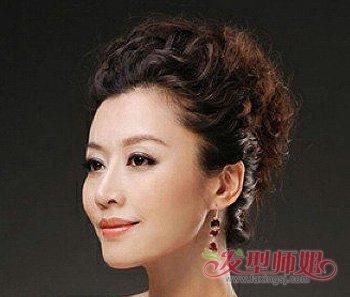 中年妈妈长发盘发 适合中年中长发的盘发(2)图片