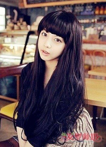 今年流行什么中长发_今年流行什么样的长发发型还有刘海?-