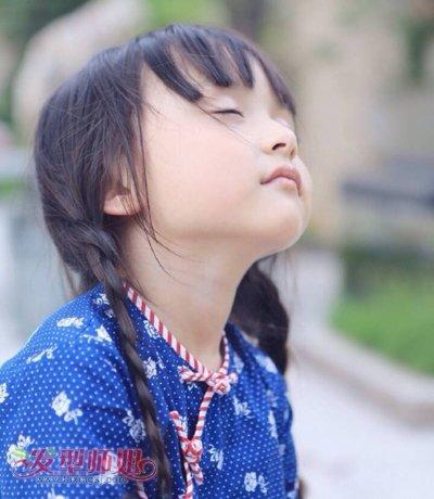 崔雅涵长发扎发萌娃新潮流 童星那些萌萌哒的扎发造型图片