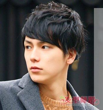 男生刘海短发发型图片