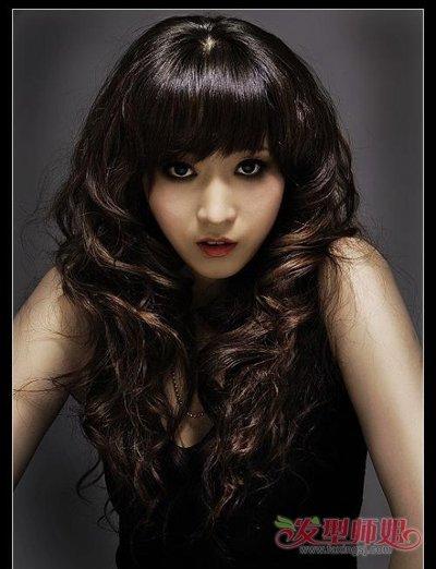 女生发型就是从下巴往下一咕噜烫发 发型图片女生长发图片