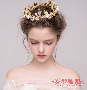 冬季新娘白纱露额蓬松盘发发型图片