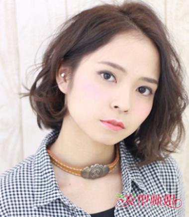 头大脸大适合什么短发图片 大脸美眉的短发(3)