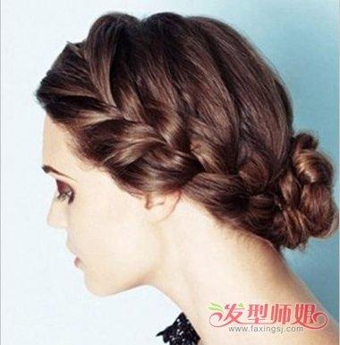 20来源:发型师姐编辑:anny 分享到  谁说就男生可以有霸气的发型,女生图片