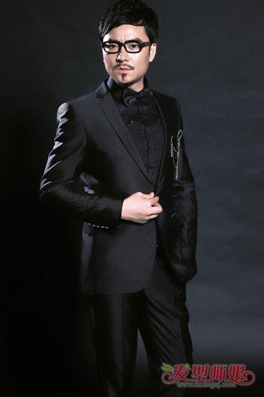 著名娱乐主持人小汪涵张强 打造今秋最酷发型