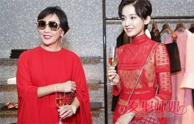 古力娜扎短发搭配红裙 时尚发型显高贵感