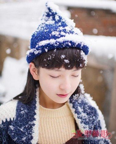 欠你的写真发型今天送上 有雪的季节这么拍才显美