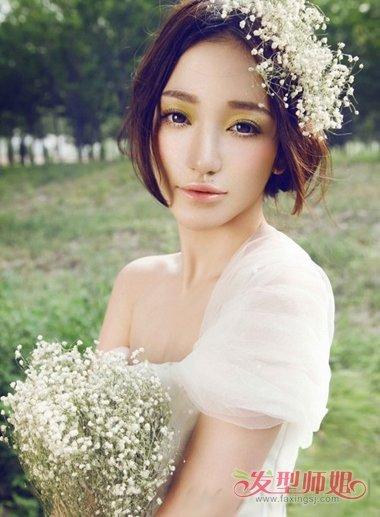 发型diy 新娘盘发 >> 自己动手盘发新娘婚礼头型 圆脸新娘结婚当天图片