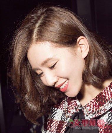 刘海(2)  2018-01-07 08:20来源:发型师姐编辑:jane 分享到  烫内扣的图片