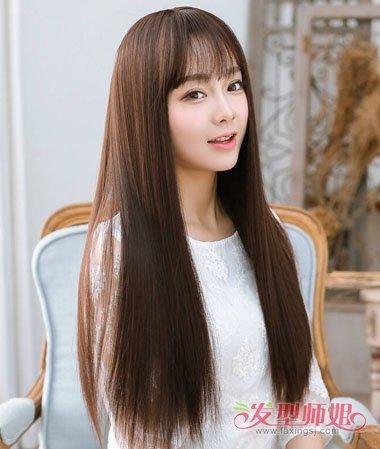 00后的长直发 发型图片,这款是长直发梳的中规中矩,有森女风味的直发