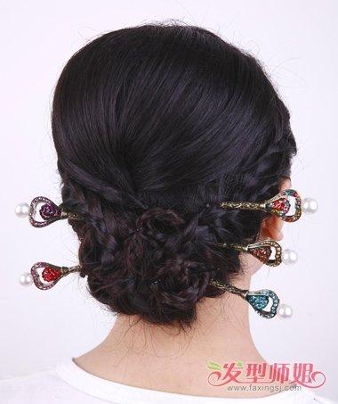 30岁的已婚女性适合什么头型 已婚女简单盘发(2)
