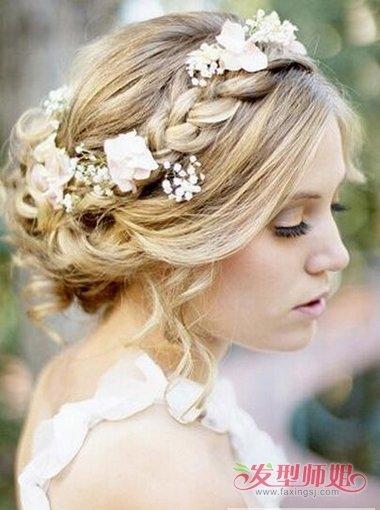 分享的是2018年最新的韩式婚礼的盘头样式发型,是不是你最喜欢的造型图片